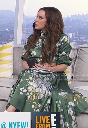 Melanie's green floral keyhole dress on Live from E!