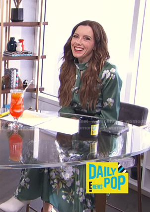 Melanie's green floral keyhole dress on E! News Daily Pop