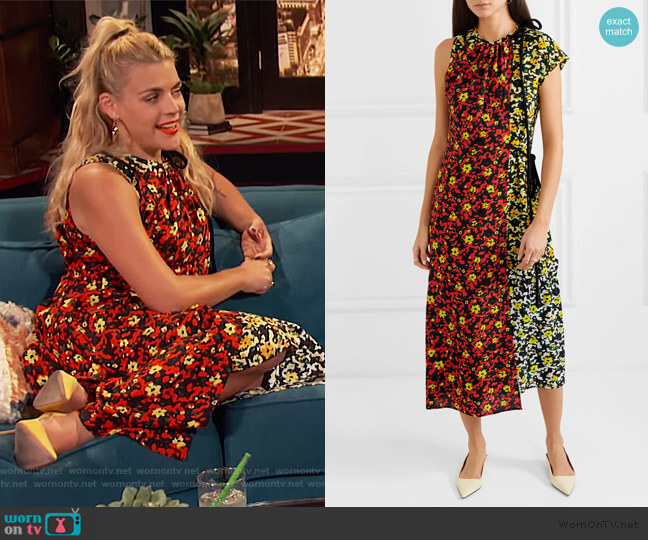 Asmmetric floral-print georgette dress by Proenza Schouler worn by Busy Philipps  on Busy Tonight