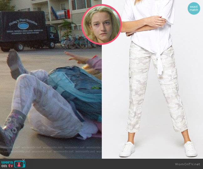 Terrain Crop Pant by Sanctuary Clothing worn by Terra Newell (Julia Garner) on Dirty John