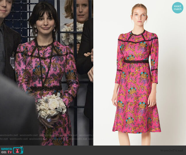 Lace-panelled printed silk midi dress by Sandro worn by Kathrine Herzer on Madam Secretary
