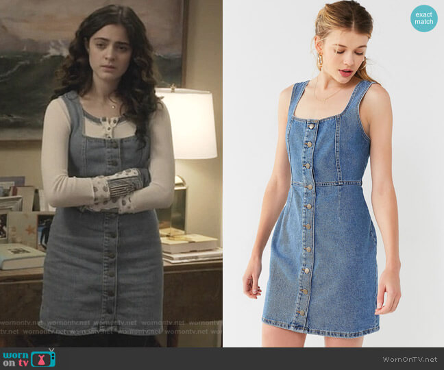 Button-Down Denim Mini Dress by Urban Outfitters worn by Olive Stone (Luna Blaise) on Manifest