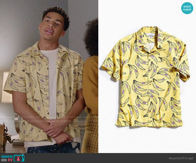 UO Banana Short Sleeve Button-Down Shirt worn by Andre Johnson Jr (Marcus Scribner) on Blackish