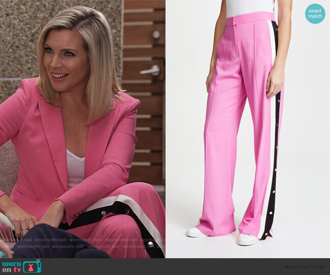 Russo Trousers by Veronica Beard worn by Brianna (June Raphael) on Grace & Frankie