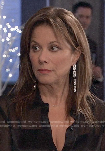 Alexis's rectangular NYE earrings on General Hospital