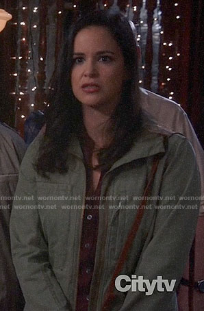 Amy's blush plaid shirt on Brooklyn Nine-Nine