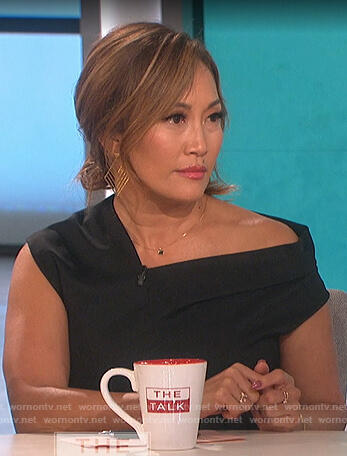 Carrie's black asymmetrical ruched dress on The Talk