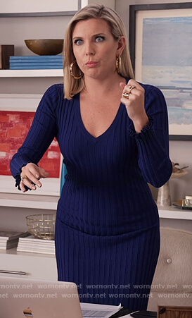 Brianna's blue ribbed midi dress on Grace and Frankie