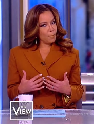 Sunny's brown double breasted Jacket and pants on The View