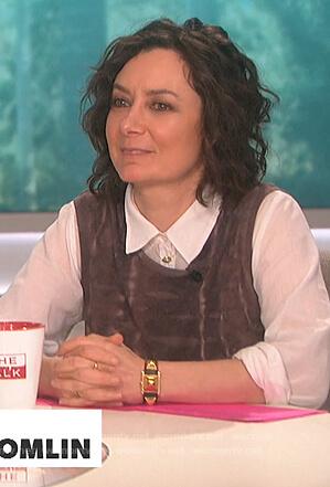 Sara's brown tie dye tank top on The Talk