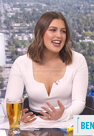 Carissa's white v-neck long sleeve top on E! News Daily Pop