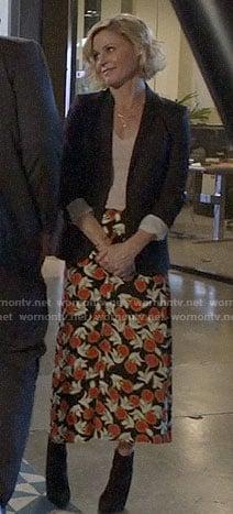 Haley's floral kimono on Modern Family