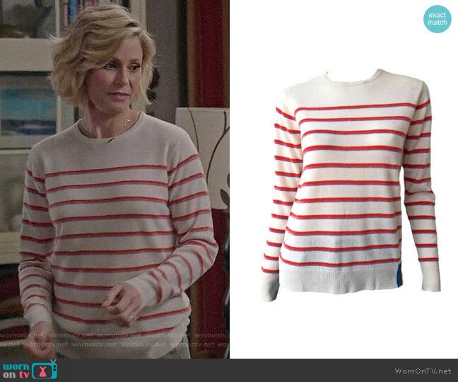 Kule Samara Sweater worn by Claire Dunphy (Julie Bowen) on Modern Family