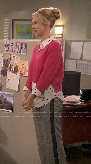 Mandy's star print shirt and pink cropped sweater on Last Man Standing