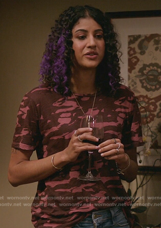 Heather's pink camo print tee on Crazy Ex Girlfriend