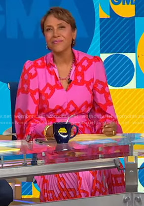 Robin's pink chain print dress on Good Morning America