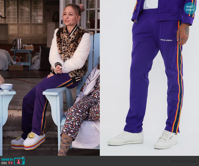 Endurance Trackpants by Twelve Jewels worn by Nicole Richie on Grace and Frankie