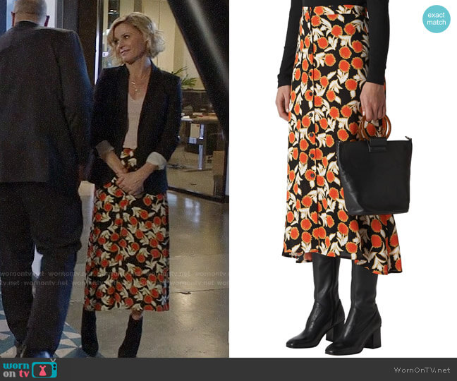 Whistles Dandelion Print Maxi Skirt worn by Claire Dunphy (Julie Bowen) on Modern Family