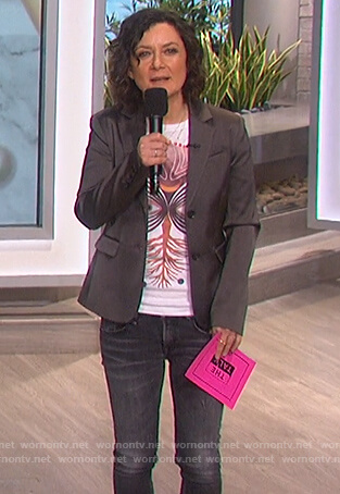 Sara's white eye graphic print tee on The Talk