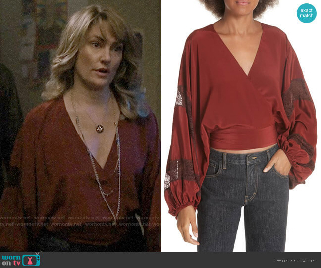 Elizabeth & James Talia Top worn by Alice Cooper (Mädchen Amick) on Riverdale