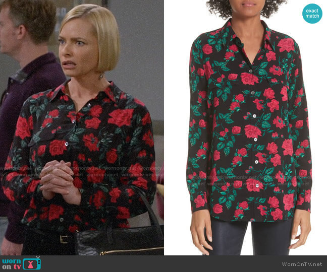 Equipment Slim Signature Floral Blouse worn by Jill Kendall (Jaime Pressly) on Mom