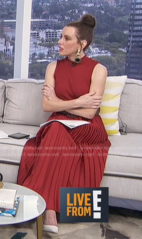 Melanie's red pleated sleeveless dress on E! News Daily Pop