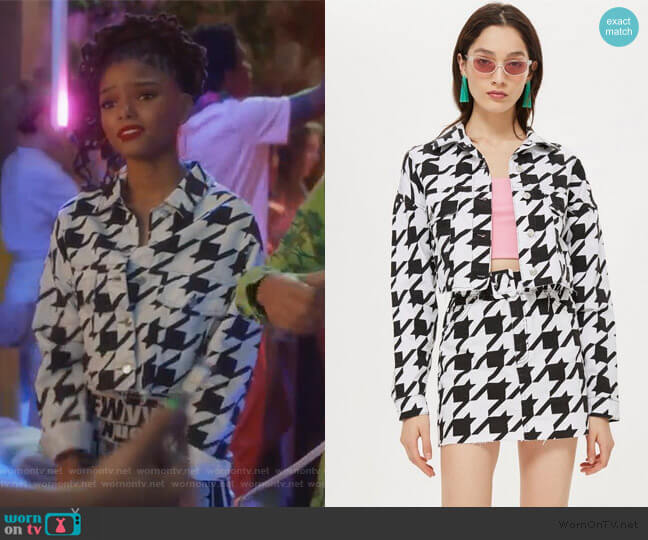 Dogstooth Denim Jacket by Topshop worn by Skylar Forster (Halle Bailey) on Grown-ish