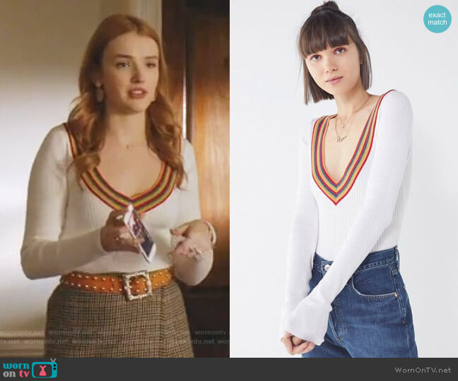 Lara Sweater by Urban Outfitters worn by Kirby Anders (Maddison Brown) on Dynasty