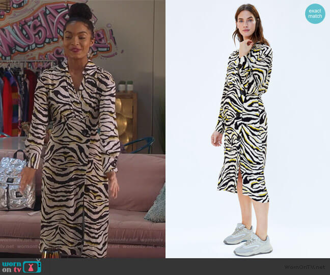 Zebra Printed Dress by Zara worn by Zoey Johnson (Yara Shahidi) on Grown-ish