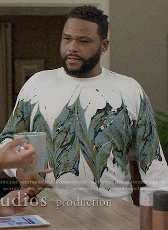 Andre's paint print sweatshirt on Black-ish
