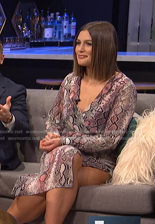 Carissa's snake print v-neck dress on E! News