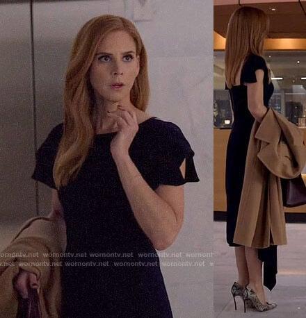 Donna's blush pink sheath dress on Suits