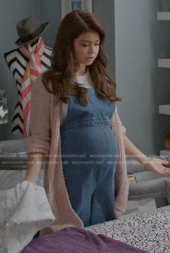 Haley's denim maternity overalls on Modern Family