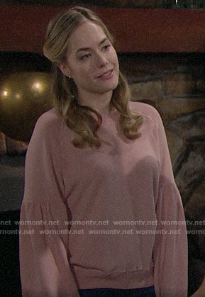 Hope's pink sweatshirt on The Bold and the Beautiful