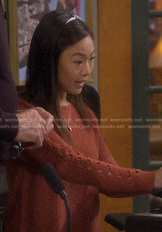 Jen's cable sleeve sweater on Last Man Standing