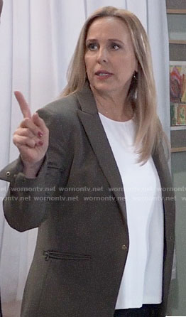 Laura's olive green blazer on General Hospital