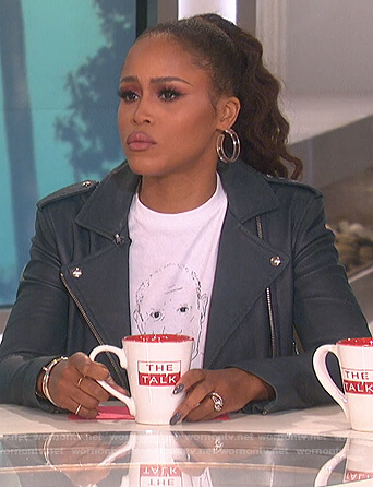 Eve's white Picasso print tee and leather jacket on The Talk