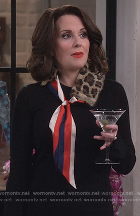 Karen's leopard fur scarf on Will and Grace