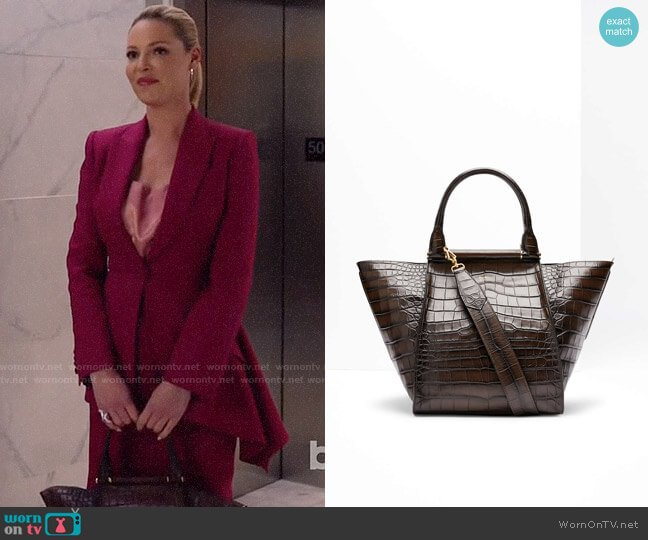 Max Mara Maxi Shopper in Crocodile Print Leather worn by Samantha Wheeler (Katherine Heigl) on Suits