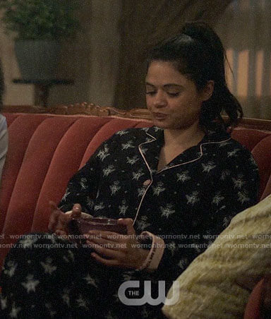 Mel's black bee print pajamas on Charmed