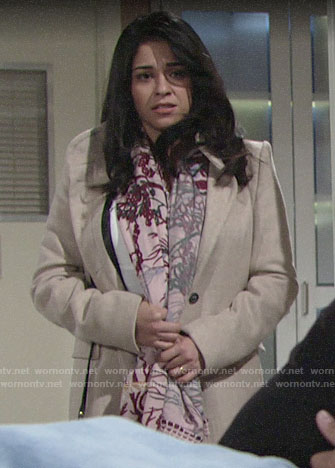 Mia's pink floral scarf on The Young and the Restless