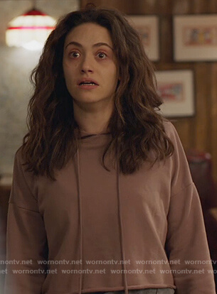 Fiona's pink cropped hoodie on Shameless