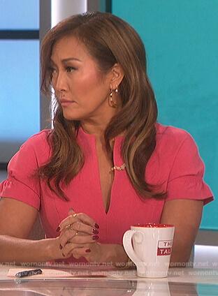 Carrie's pink split neck sheath dress on The Talk