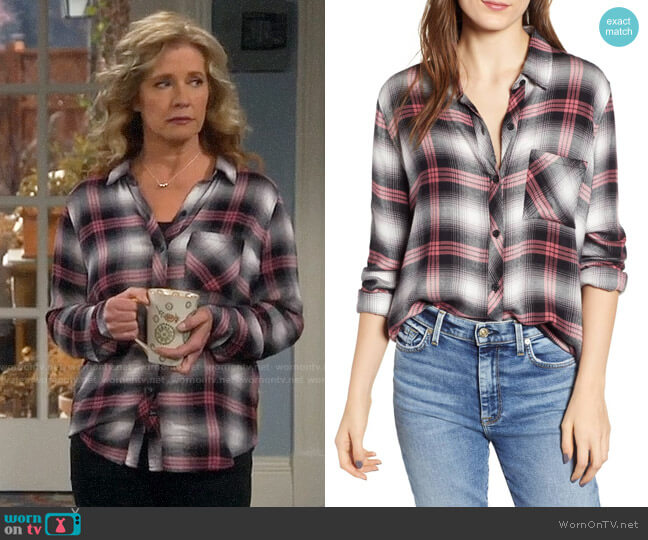 Rails Hunter Shirt in Black Taffy worn by Vanessa Baxter (Nancy Travis) on Last Man Standing
