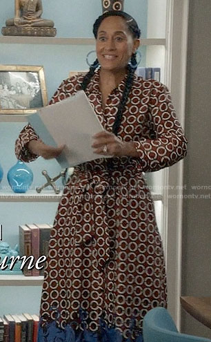 Bo's geometric print midi dress on Black-ish
