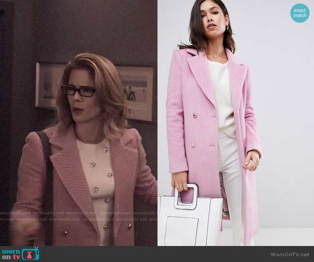 Ted Baker Saffra Coat worn by Felicity Smoak (Emily Bett Rickards) on Arrow