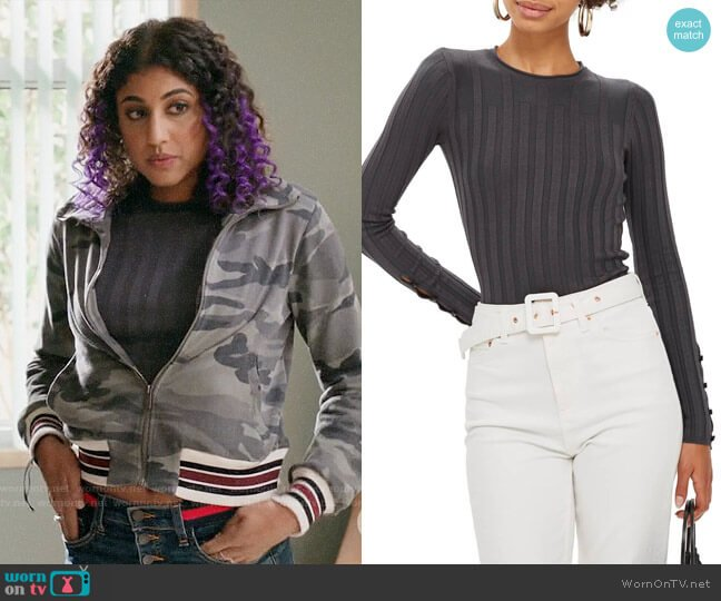 Topshop Ribbed Sweater in Charcoal worn by Heather Davis (Vella Lovell) on Crazy Ex-Girlfriend