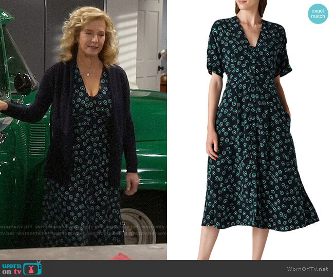 Whistles Naya Lenno-Print Dress worn by Vanessa Baxter (Nancy Travis) on Last Man Standing