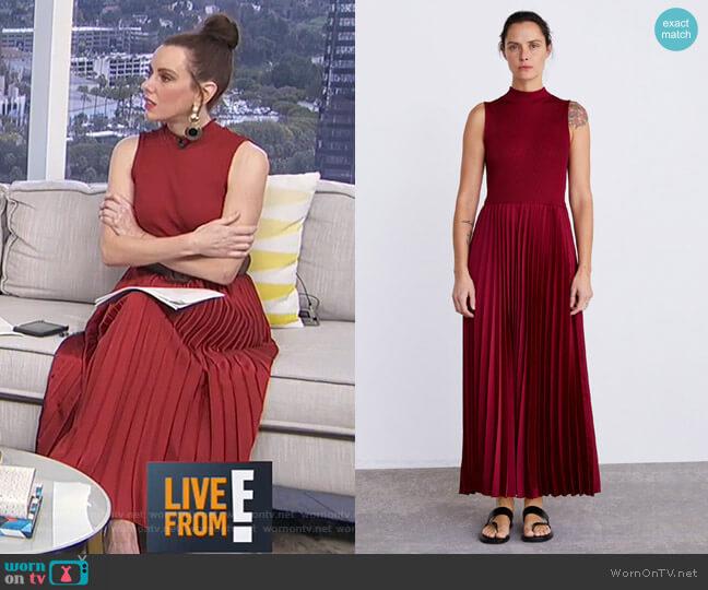 Pleated Dress by Zara worn by Melanie Bromley (Melanie Bromley) on E! News