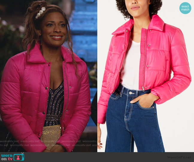 Cropped Puffer Jacket by Bar lll worn by Poppy (Kimrie Lewis) on Single Parents